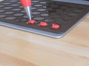montando bandeja macarons